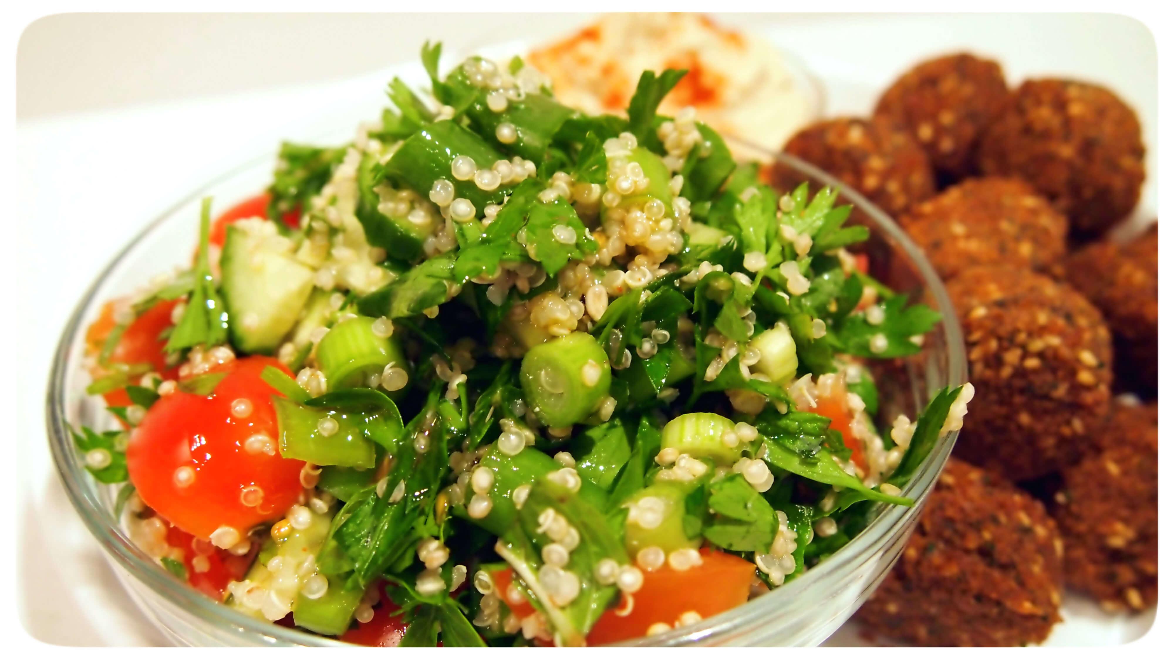 Salad Mezze dan Falafel