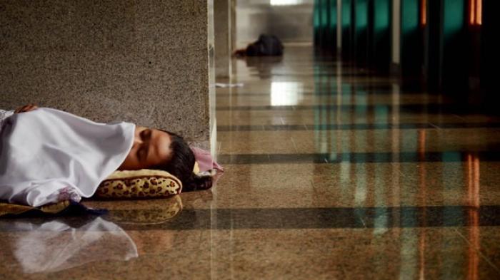 istirahat-di-masjid