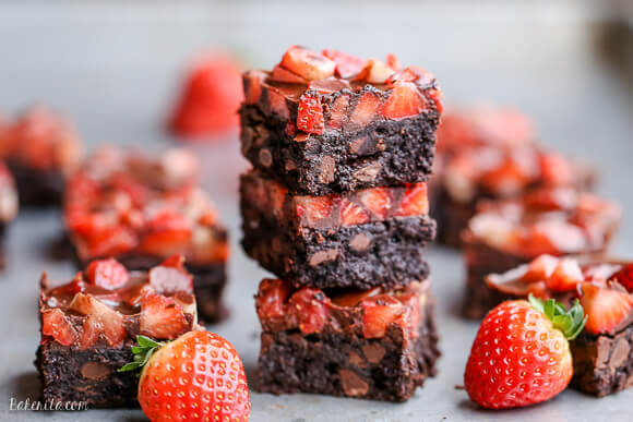 chocolate-covered-strawberry-brownies-paleo-7