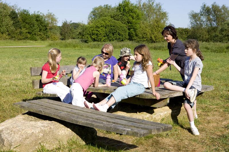 picnic-area-stanwick-lakes-northampton