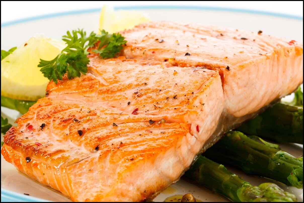 grilled-salmon-with-lemons-and-vegetables