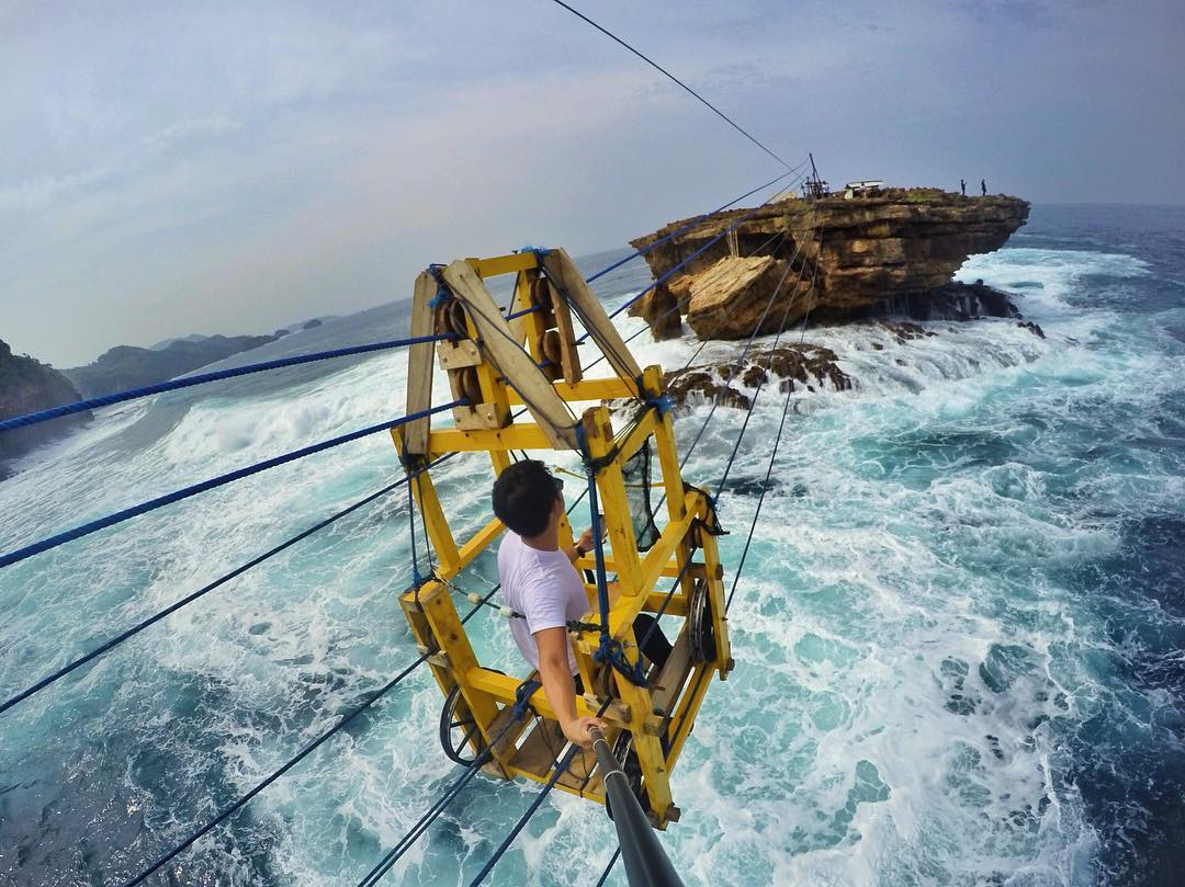 wisata ekstrem Indonesia